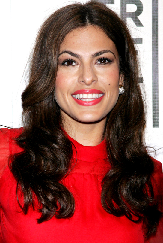 Eva-Mendes-Medium-Skin-Tone-Red-Lipstick